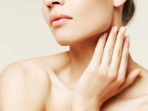 Боль в шее - один из симптомов шейного остеохондроза