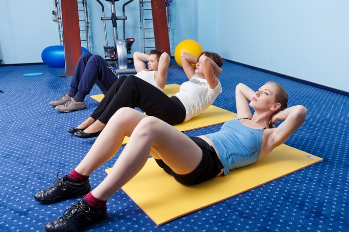 Простые упражнения при сколиозе